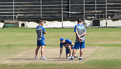 Aussies decline to play practice...