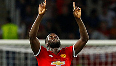 Lukaku sizes up favoured prey West...