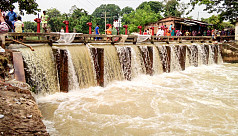 Naogaon dam collapse floods new...