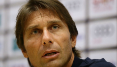Tetchy Conte feels heat as Chelsea start...
