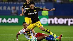 Dortmund express crushes Hamburg 3-0...
