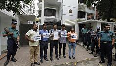 Bangladeshi journos protest Rohingya...