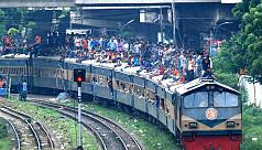 People flowing back to Dhaka amid huge...