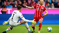 Robben scores with right foot, own goal...