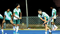 India, Pakistan face off in crucial...