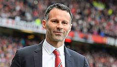 Giggs throws hat in ring for Everton,...