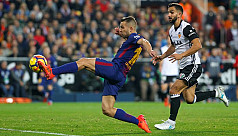 Valencia hold Barcelona in