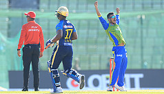 Nasir warned after delaying toss in...