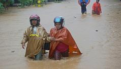 Cyclone kills 19, most under landslide,...