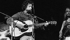 Bob Dylan's guitar used in Concert for Bangladesh fetches $396,000