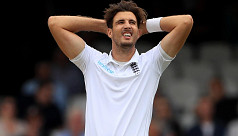 Finn ruled out of Ashes with knee...