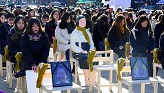 South Korea throws 'comfort women' deal...