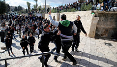Israeli troops clash with Palestinian...