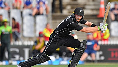 Guptill blasts New Zealand to eight-wicket...