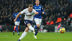 Kane sets new Spurs record as Chelsea...