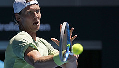 Berdych sweeps past Fognini into...