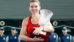 Halep warms up for Australian Open with...