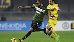 Juve beat Chievo to go top of Serie...