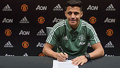 United sign Sanchez from Arsenal in...