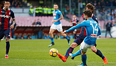 Mertens keeps Napoli top, Milan stall...