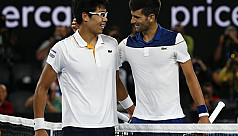 Chung dumps wounded Djokovic