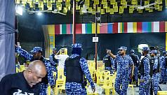 Maldives shuts parliament, resists order...