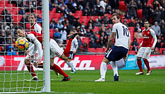 Tottenham's lethal Kane kills off Arsenal...