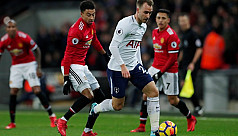 Eriksen stuns United as Chelsea crash...