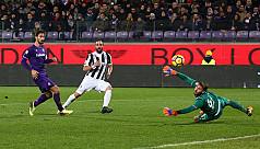 Bernardeschi, Higuain put Juventus top...
