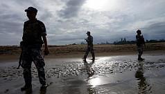4 Myanmar border troopers wander into...