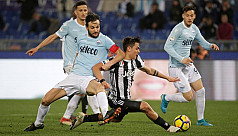 Dybala gives Juve dramatic win, Napoli...