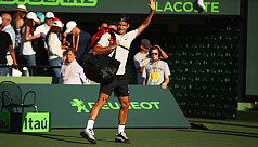 Federer stunned by Kokkinakis in...