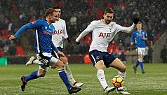 Llorente treble fires Spurs after more...