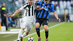 Higuain helps Juve burst clear of Napoli...