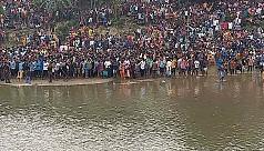 Maha Baruni fair observed near Indo-Bangla...
