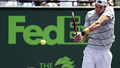 Isner stuns Del Potro to reach Miami...