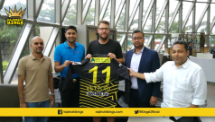 Vettori dons Rajshahi Kings jersey