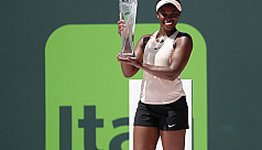 Stephens sees off Ostapenko to win Miami...