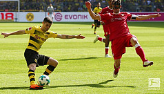 Dortmund rout Stuttgart to close on...
