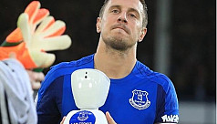 Robot helps seriously ill Everton fan...