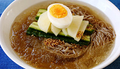 North Korean cold noodles a hit as historic...