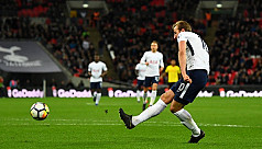Alli and Kane on target as Spurs bolster...
