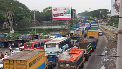 5km tailback on Dhaka-Chittagong...