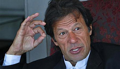 Imran Khan eyes victory as Pakistan...