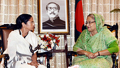 PM Hasina phones Mamata, enquires about Amphan damages