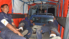 5 cops injured in improvised bomb blast...
