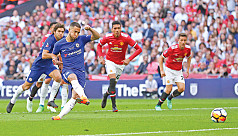 Chelsea edge United in Cup final