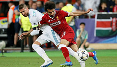 Salah forced off injured in Champions...
