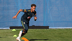 Diving school! Neymar teaches kids to...