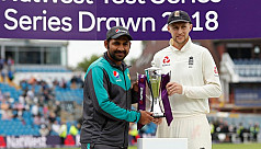England complete Pakistan rout in three...